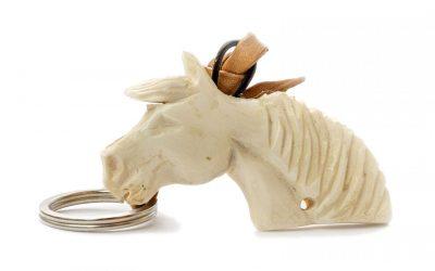 Llavero caballo en hueso
